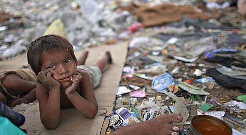 Les gamins des bidonvilles de Delhi rêvent d'aller en classe