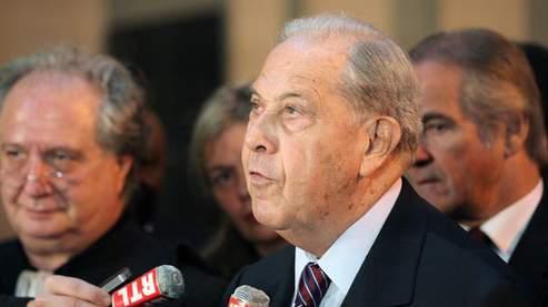 Charles Pasqua condamné à un an de prison avec sursis