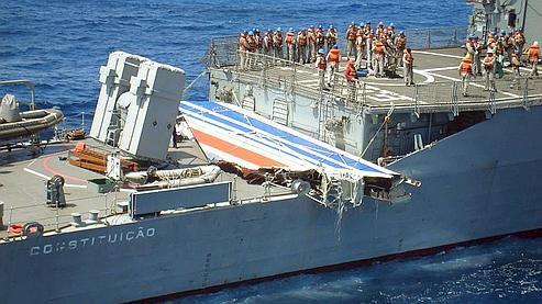 L'épave se situerait à 20 milles nautiques au sud-ouest de la dernière position connue de l'avion.
