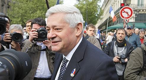 Bruno Gollnish, à Paris, le 1er mai, lors du défilé du Front national.