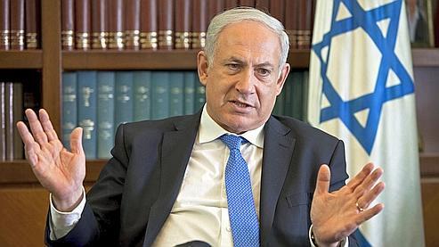 Le premier ministre israélien, Benyamin Nétanyahou, mardi dans son bureau à Jérusalem.