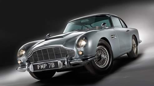 L'Aston Martin DB5 piloté par Sean Connery dans Goldfinger et Thunderball.