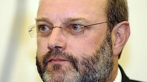 Jean-Louis Muller, 53 ans, est soupçonné d'avoir utilisé ses connaissances d'expert pour maquiller le meurtre de sa femme Brigitte.