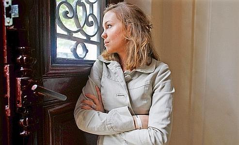Myriam, jeune femme appréciée de tous, voulait croire au bonheur à Perpignan. Mais les incivilités répétées et la violence de l'attaque dont elle a été l'objet en avril en compagnie de son mari l'ont poussée au départ. (Mélanie Frey/Le Figaro Magazine)