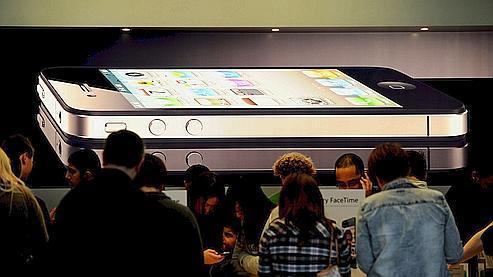 Antenne de l'iPhone 4 : un dirigeant d'Apple démissionne