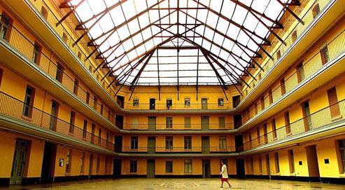 Une bonne partie des anciens appartements du familistère de Guise, classé monument historique en 1991, a été transformé en musée. (crédits photo : Philippe Huguen/AFP)