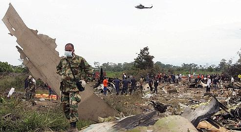 Des débris du McDonnell Douglas MD-82 de la compagnie colombienne West Caribbean.