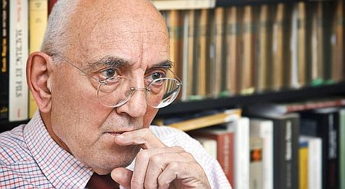 L'historien Max Gallo redoute un «zapping» avec la diversification des programmes. (Crédits photo : Le Figaro)