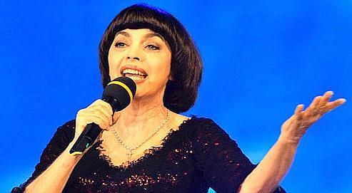 Mireille Mathieu est la chanteuse française la plus populaire en Russie.