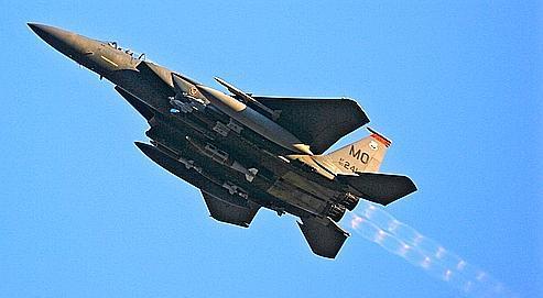 84 chasseurs F-15 dernier modèle (ici en opération en Afghanistan en 2009) font partie de cette vente record.