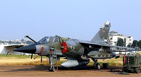 Un Mirage F1 fait partie des avions de reconnaissance à la recherche des otages (illustration).
