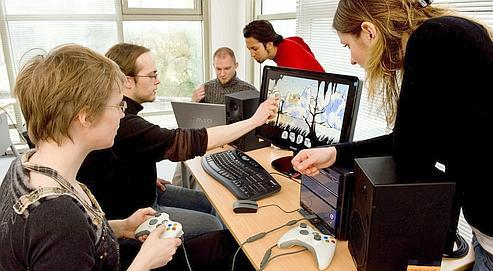 Les univers virtuels permettent souvent d'acquérir une fonction sociale que l'on n'a pas (ou plus) dans sa vie réelle.