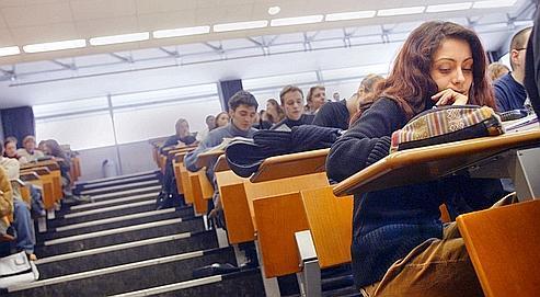 Un cours de droit dans un amphitéâtre de l'Université Lyon 3.