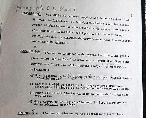 Alors que le projet initial prévoyait d'épargner «les descendants de Juifs nés français ou naturalisés avant 1860», le maréchal Pétain décide de rayer cette mention.