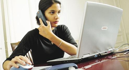 Si 60% des entreprises offrent une grande souplesse dans la gestion du travail, seuls 17 % des salariés l'utilisent. (Crédits photo : Michel Gaillard/REA)