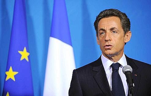 «Cette réforme est essentielle, la France s'y est engagée, la France la mettraen œuvre», a réaffirmé Nicolas Sarkozy hier à Deauville, à l'occasion du sommet France-Allemagne-Russie.