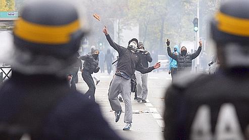 Des affrontements ont de nouveau eu lieu mardi à Nanterre.