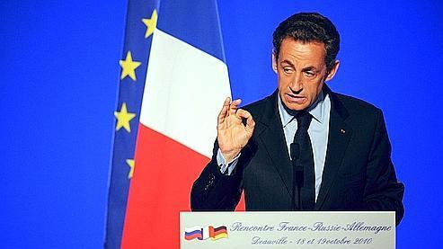 «Il y a des gens qui veulent travailler et qui ne doivent pas être privés d'essence», a estimé mardi Nicolas Sarkozy en marge du sommet franco-germano-russe de Deauville.