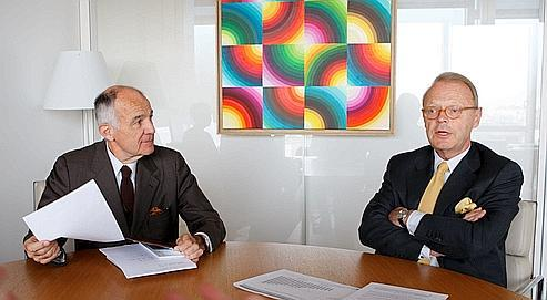 Patrick Thomas, gérant d'Hermès, et Bertrand Puech (à gauche), président du conseil de gérance dans son bureau à Paris.