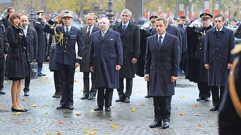 Le président de la République était accompagné de son épouse, du premier ministre et de plusieurs membres du gouvernement.