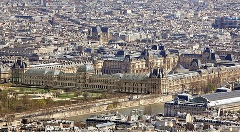 Le palais des Tuileries restitué en images 3D. Voici à quoi le site ressemblerait s'il était toujours en place. Au premier plan, la longue façade ombragée n'existe plus. (Aristeas-Hubert Naudeix)