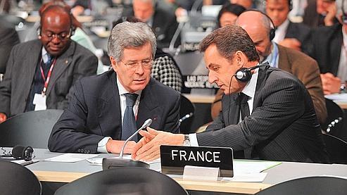 Nicolas Sarkozy et son conseiller diplomatique Jean-David Lévitte (à gauche), dont certains propos ont été révélés WikiLeaks.