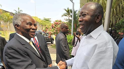 Thabo Mbeki a rencontré Laurent Gbagbo dans sa résidence.