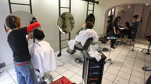 Taxe musicale les coiffeurs intensifient le mouvement for Exemple de reglement interieur salon de coiffure