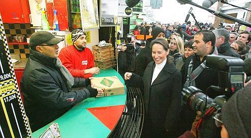Ségolène Royal a effectué, mercredi à Cergy-Pontoise, son premier déplacement de candidate aux primaires socialistes en banlieue parisienne.