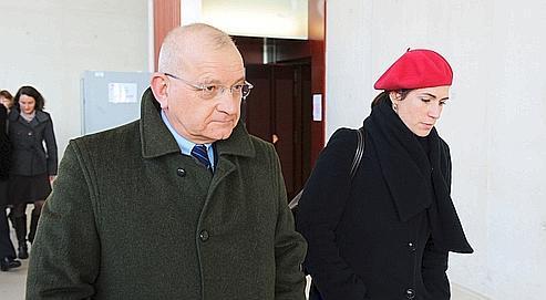 Le père d'Anne-Lorraine, Philippe Schmitt, à son arrivée, mardi, au palais de justicede Pontoise.