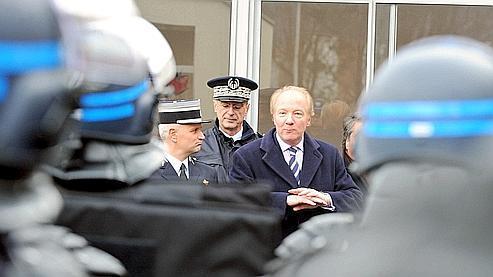 Brice Hortefeux porte plainte contre un site «anti-flics»