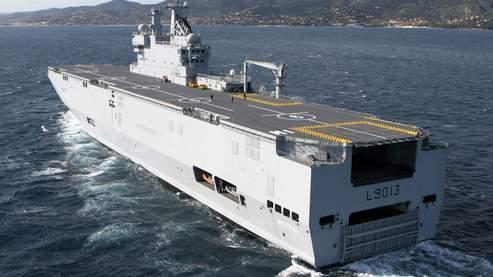 Un navire de type Mistral.
