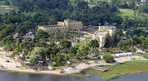 L'Hôtel du Golf à Abidjan, où sont installés les quartiers généraux de l'équipe du président élu, Alassane Oattara.