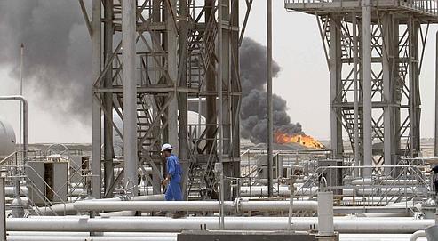 Le baril de pétrole frôle la barre des 100dollars
