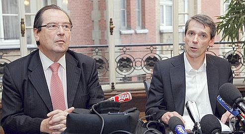 Bertrand Rochette (à droite), l'un des trois cadres licenciés pour «espionnage industriel», ici avec son avocat, Me Christian Charrière-Bournazel, a martelé qu'il ne serait pas le «bouc émissaire de cette affaire».