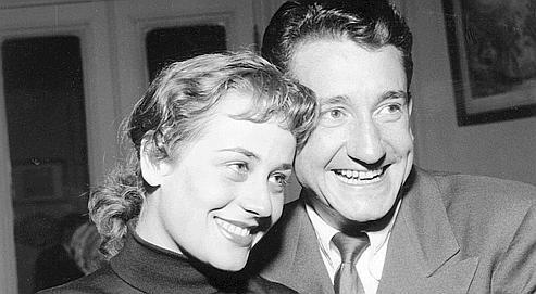 1954. Annie Girardot gagne le premier prix et Jacques Sereys le deuxième au concours de la comédie classique au Conservatoire.