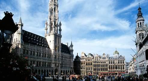 De nombreux contribuables fortunés partent en Belgique (ici la Grand Placeà Bruxelles) pour échapper à l'impositiondes plus-values.