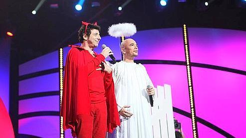 Patrick Bruel en Lucifer et Pascal Obispo en ange. (NILSHD/TF1)