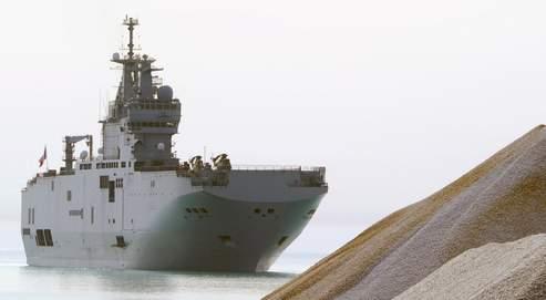 Le Mistral arrivant au port de Zarzis (Tunisie), le 7 mars dernier, pour apporter de l'aide humanitaire aux réfugiés.