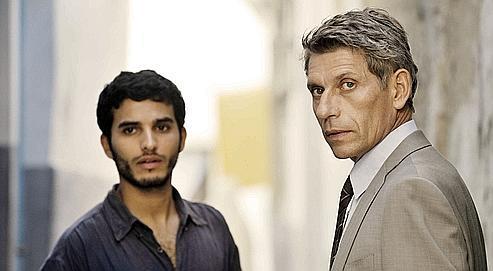 Le mouvement d'Abu Nidal est infiltré par Issam Mourad (au centre), une «taupe» pilotée par Michel Carrat (Jacques Gamblin).