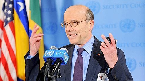 Le ministre français des Affaires étrangères Alain Juppé a été envoyé jeudi à l'ONU afin de défendre la résolution pour une intervention internationale.