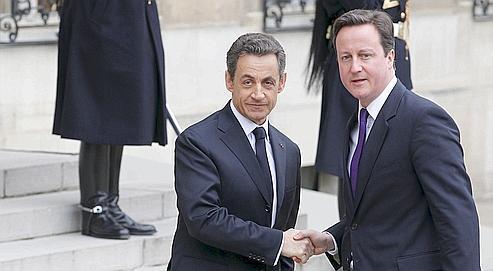 Nicolas Sarkozy accueille le premier ministre britannique David Cameron, samedi à l'Élysée pour le sommet international sur la Libye.