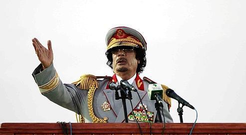 Kadhafi, cible inavouée de la campagne militaire