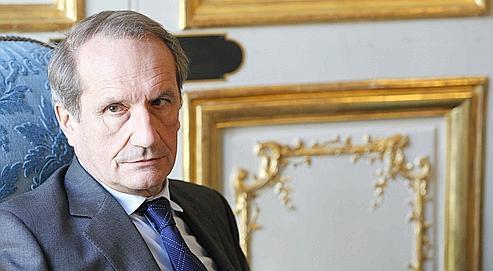Gérard Longuet, mercredi, au ministère de la Défense.