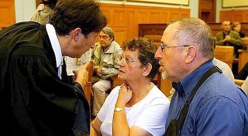 Les parents de François Chenu lors du procès en octobre 2004 à Reims.