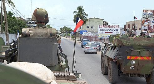 Patrouille de la force «Licorne» le 2 avril à Abidjan.