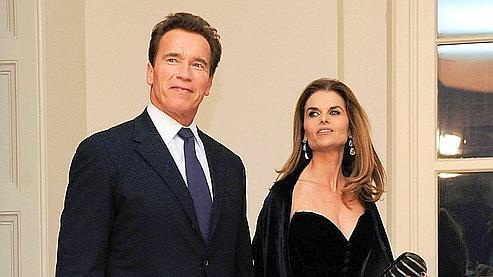Arnold Schwarzenegger et Maria Shriver lors d'un dîner à la Maison-Blanche en février 2009.