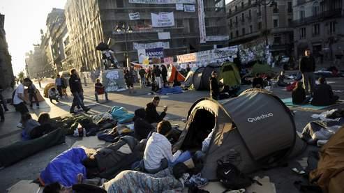 La place Puerta Del Sol, à Madrid, occupée par le mouvement «Los Indignados», ce samedi 21 mais.