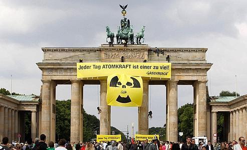 Greenpeace manifestait, vendredi à Berlin, contre le nucléaire.