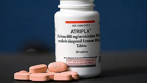 Atripla, lancée en 2007 par Bristol-Myers Squibb et Gilead Sciences, est la première trithérapie proposée sous forme de cachet unique. Il rapporte 3 milliards de dollars par an.
